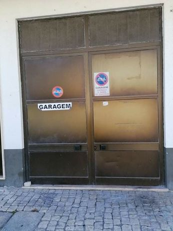 Vendo ou Alugo Garagem 35m² / 3 carros