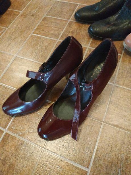 Женские туфельки (туфли)