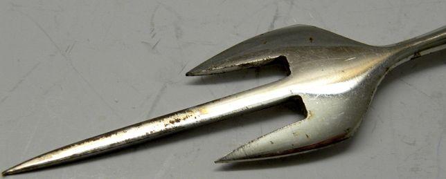 вилка для рыбы посеребренная антик винтаж Германия ручка кость