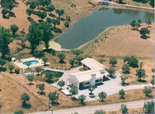 Aluguer de casa férias (Monte) no Alentejo com piscina perto barragem