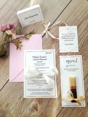 Śliczne ślubne zaproszenie ze złotą ramką, tanie