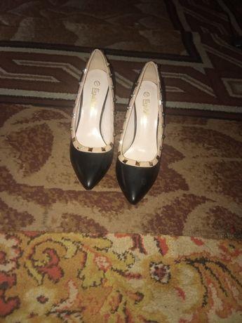 Продам туфли новые не разу не обутые
