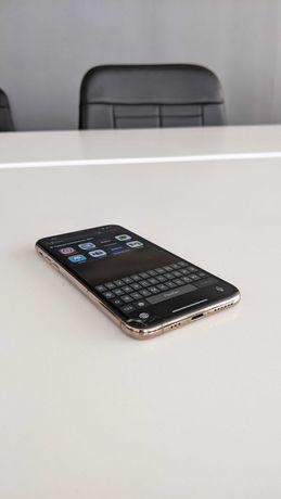 Iphone XS 64 GB (Экран с маленькой трещиной)