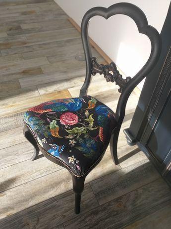 Krzesło odnowione stylizowane