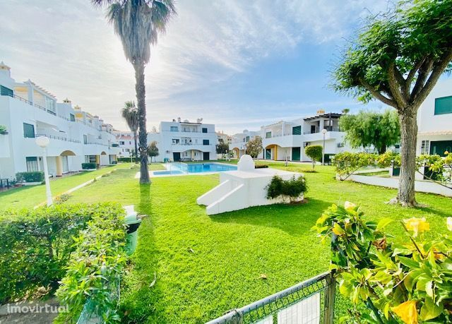 Moradia T3, em Aldeamento vila Flor, Villamoura, Algarve