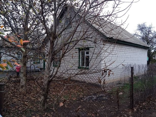 Продам будинок на два входи у селі Червона Слобода поряд школа N1