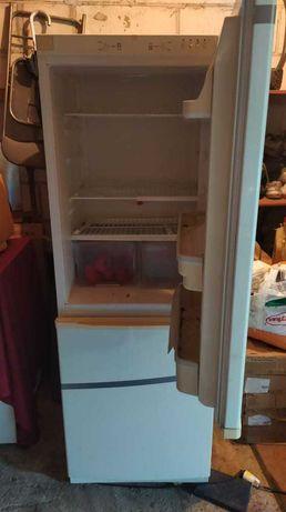 lodówka z zamrażarką w super stanie