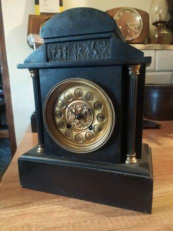 Kamienny zegar antyczny