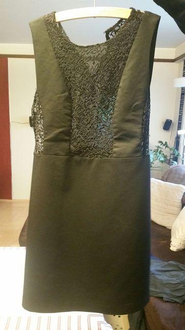 Sukienka mała czarna na imprezę firmy ZARA