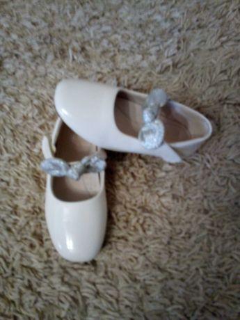 Туфлі дитячі на дівчинку
