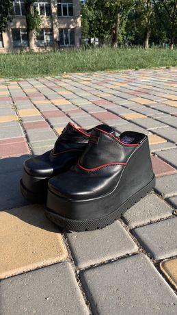 Шлепанцы,сандали кожаные на платформе HEX