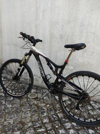 Bicicleta full carbono