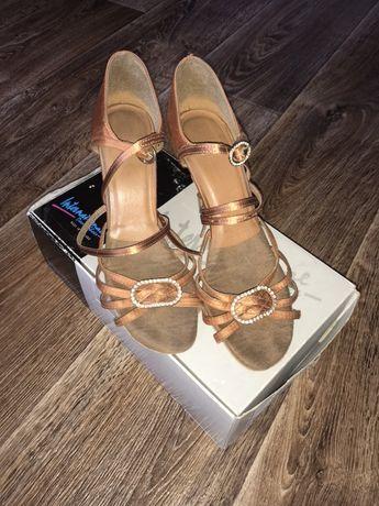 Туфли бальные латина International 23,5 см