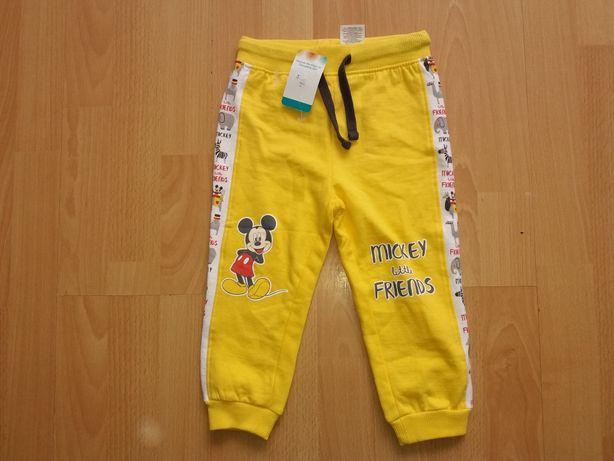 Disney spodnie dresowe nowe z metka rozm.86