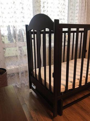 Дитяче ліжко колиска