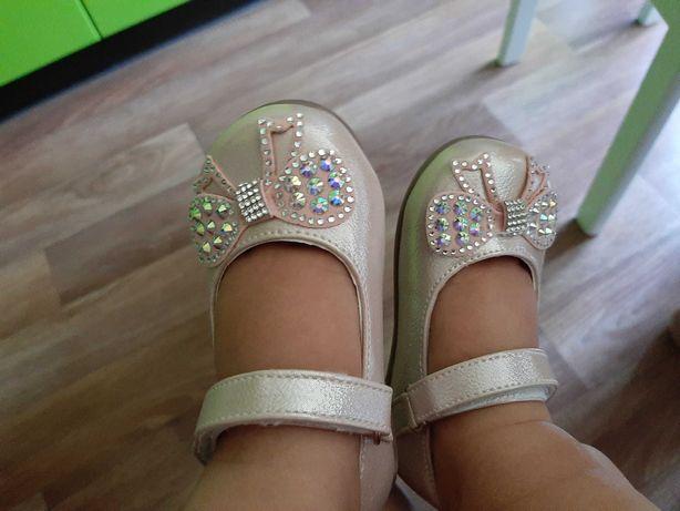 Туфельки для девочки 22 размер 13,5см по стельке
