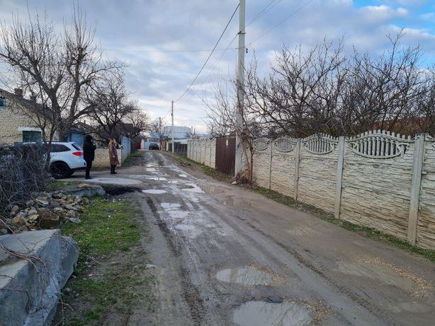 Участок в Камышанах центр. Р-к  с Эвро забором и заездом.
