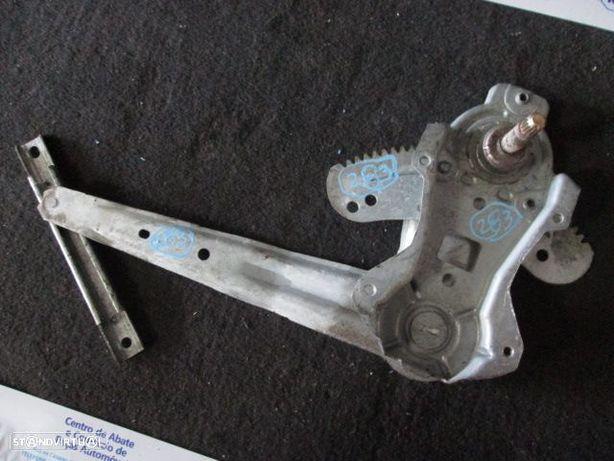 Elevador manual REF0283 NISSAN / ALMERA / 2002 / TD /