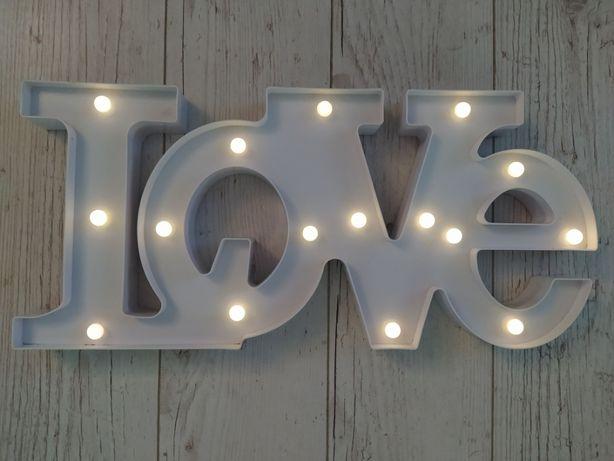 Napisz LOVE świecące