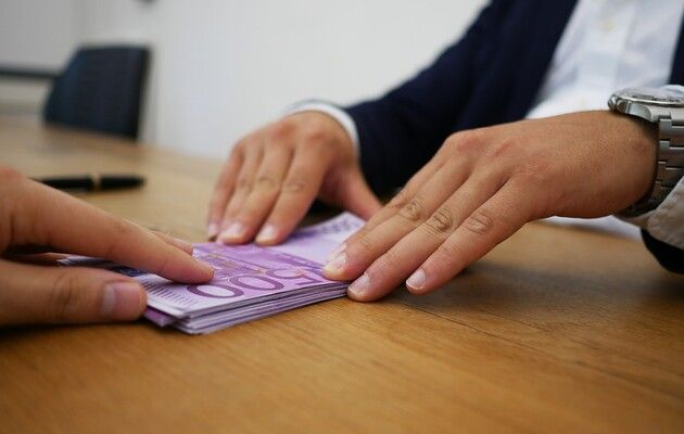 Помощь в выдаче кредита под 10% годовых, без предоплат и страховок.