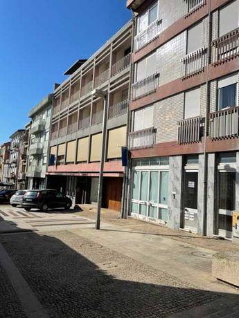 Arrendamento T1 na Rua Miguel Bombarda 556 2º andar - Porto