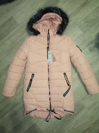 Зимняя куртка новая 164р