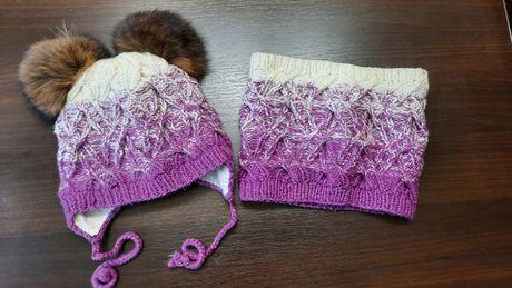Зимняя вязаная шапка с хомутом