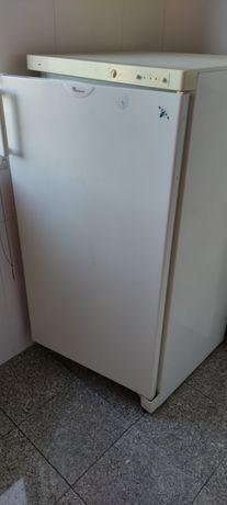 Arca frigorífica Whirlpool