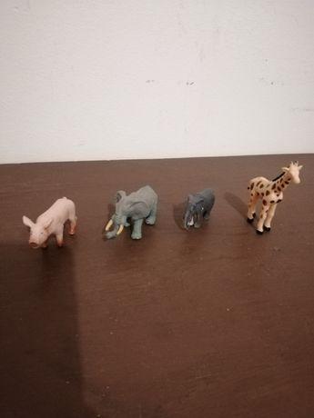 Brinquedos Animais Médios Colecção