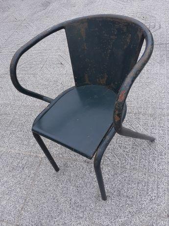 Cadeiras,eu utilizava no jardim