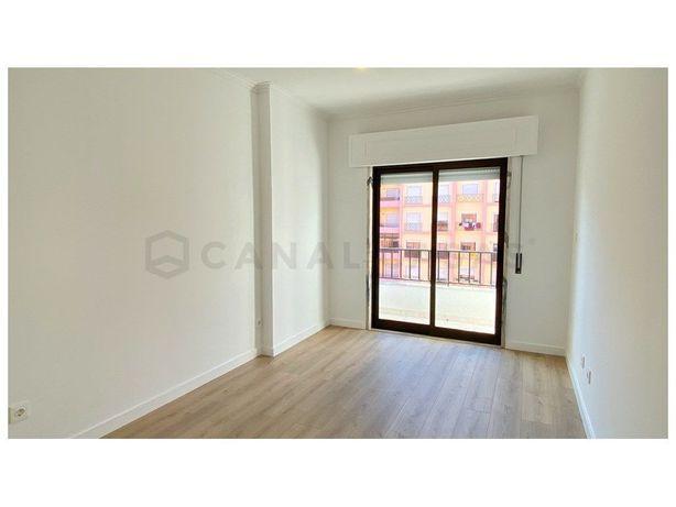 Excelente apartamento T2 em São Marcos para arrendamento