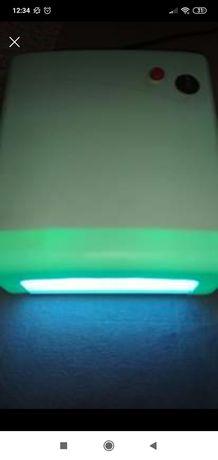 Lampa UV do paznokci