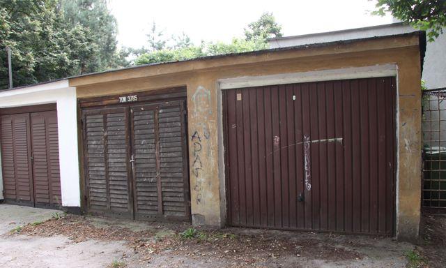 Garaż murowany ( w szeregu )