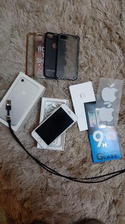 Sprzedam IPhone 7 Silver