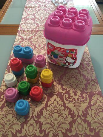 Brinquedo de encaixe da Hello Kitty