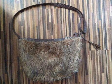 Torebka duża na ramię zimę zimowa włochacz z futerkiem Atmosphere A4