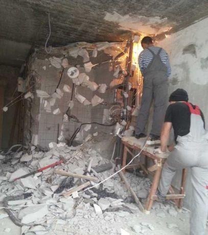 Демонтаж бетона,стен, сантехкабин,плитки,резка проёмов, штроб.