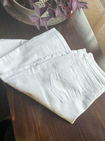 Białe spodnie w rozmiarze 42 . Nowe