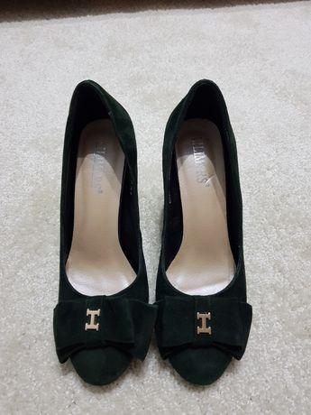 Продам замшевые туфли. 37 размера