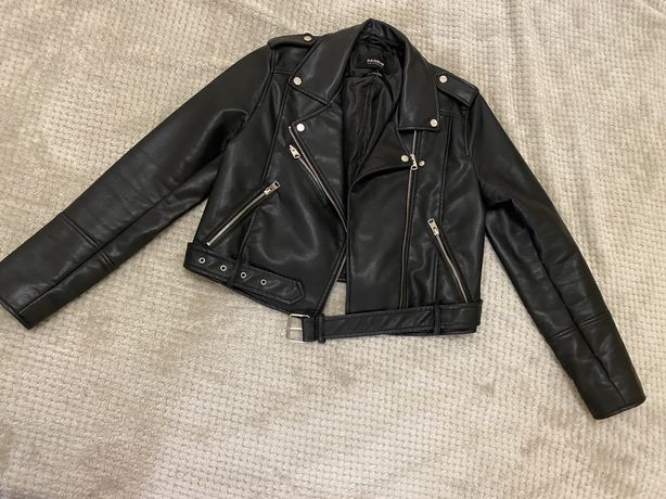 Женская кожаная куртка Pull&Bear. Размер L