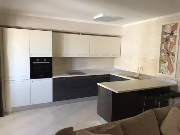 Продам 2-комнатную квартиру с ремонтом на Кленовой (парк Победы)