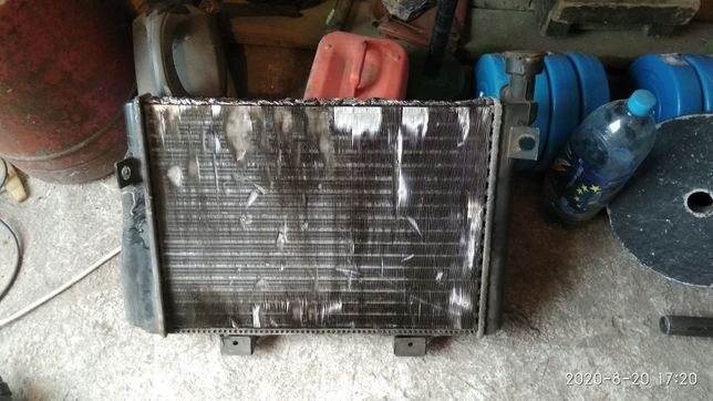 Радиатор 200грн.