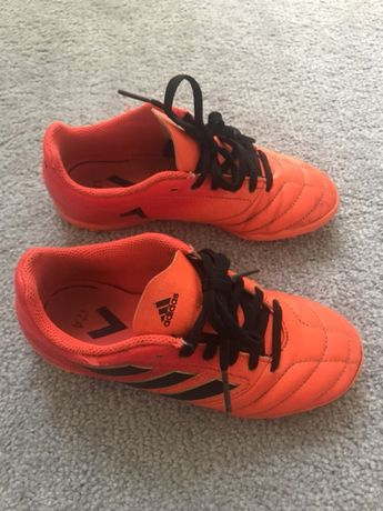 Buty treningowe Adidas turfy r. 33