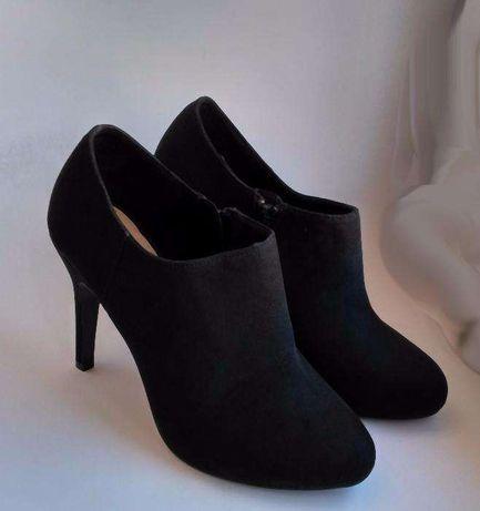 женские ботинки Pull&Bear черная замша 38р