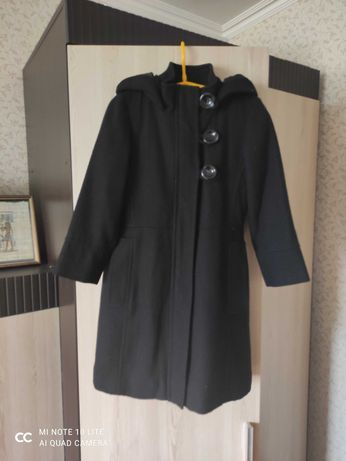 Пальто чёрное next для девочки 5-6 лет