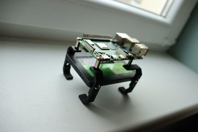 Raspberry PI 4 2GB    Karta microSD 16GB    Dedykowany zasilacz