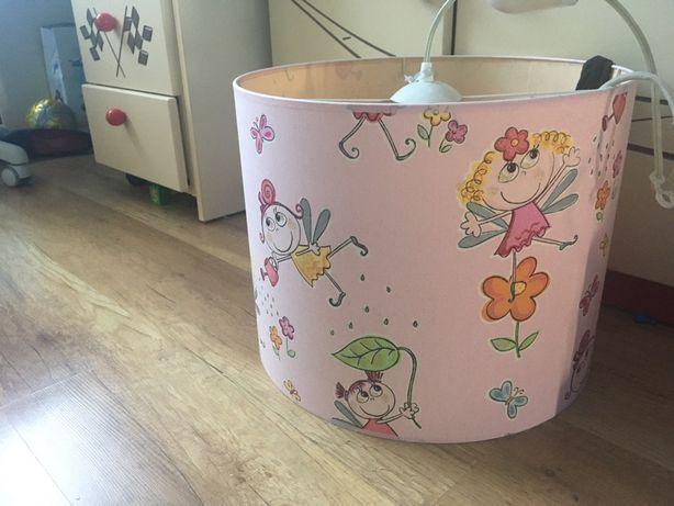 Lampa wisząca do pokoju dla dziewczynki