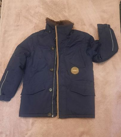 Продам зимнюю куртку с капюшоном Lenne