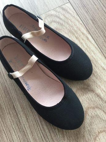 Sapatos de Carater Pouco Uso Como Novos UK 12