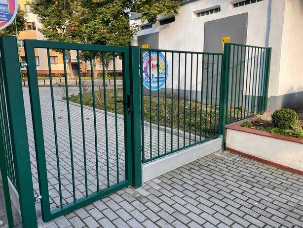 Brama, konstrukcje spawane, przęsła ogrodzeniowe. Możliwość montażu